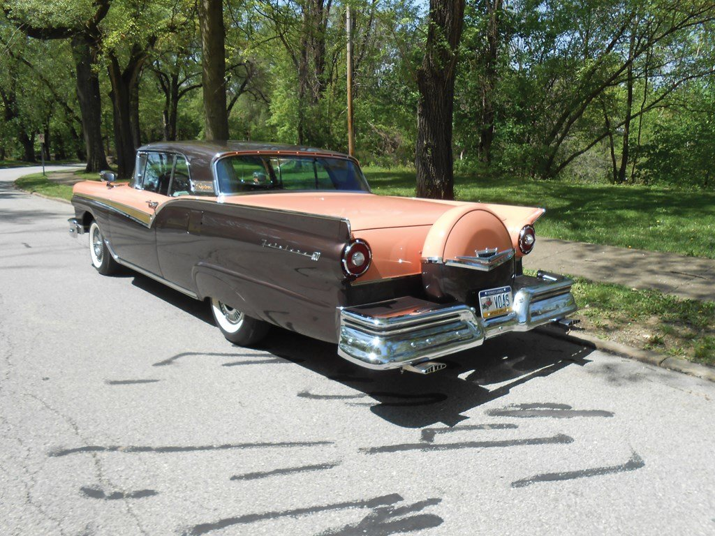 1957 Ford Fairlane Skyliner E-Code  For Sale by Auction (picture 2 of 6)