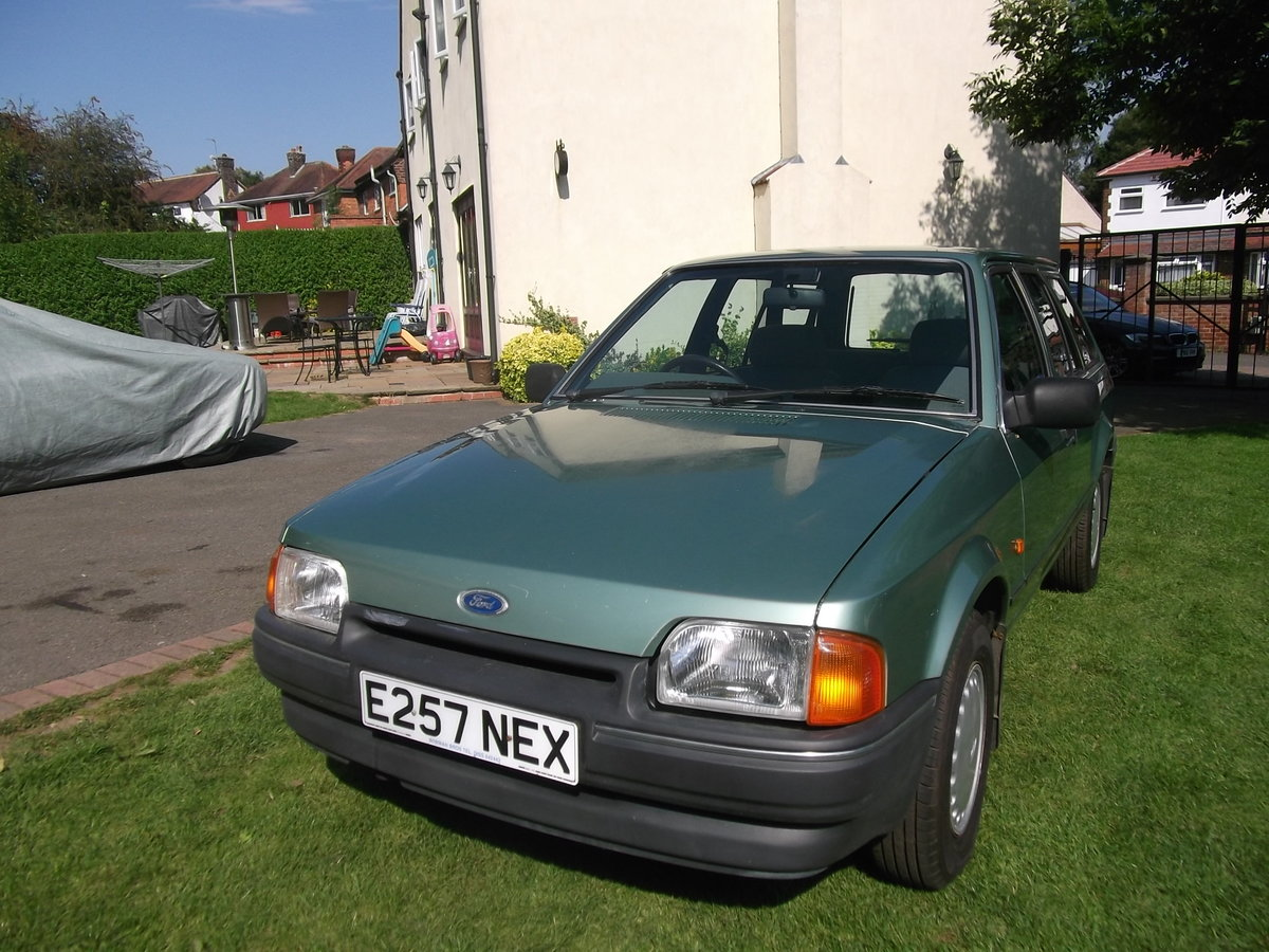 1987 Ford Escort 1.4gl Estate, 1 Owner, Rust Free For Sale (picture 2 of 6)