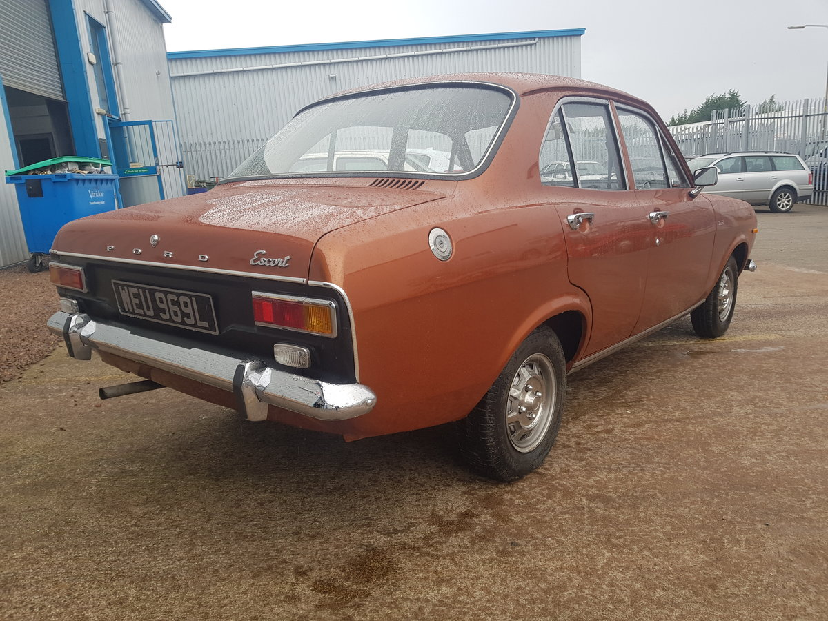1972 Ford Escort Mk1 1100 XL - 27000 Miles - Time Warp Car For Sale (picture 4 of 6)