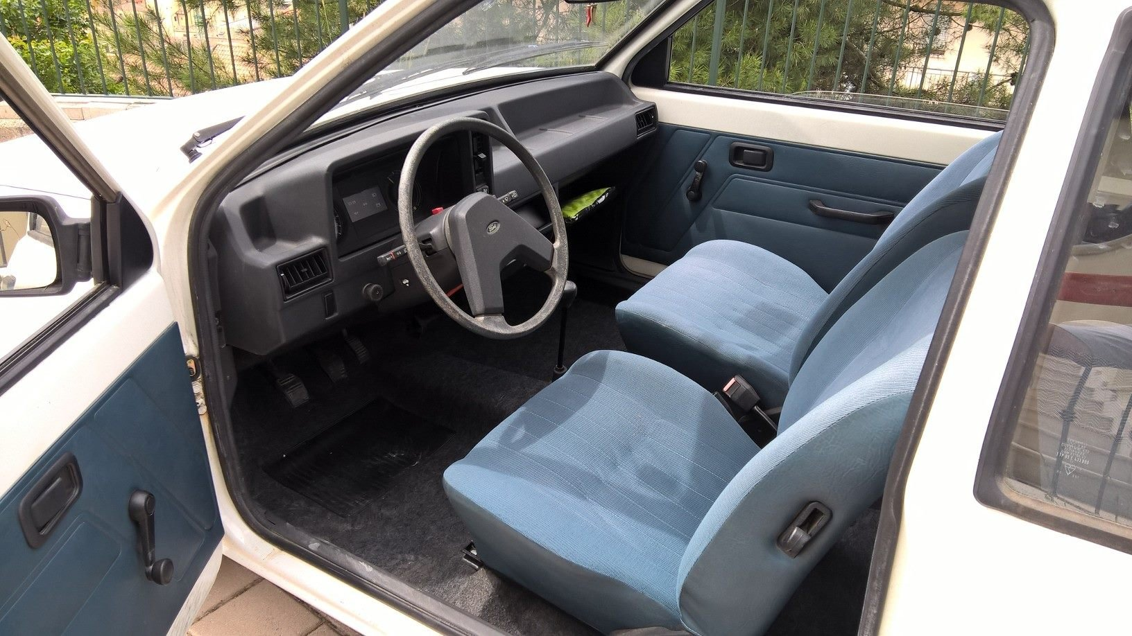 1980 Ford Escort 2 Door with 80,000 orig kms NEVER RESTORED For Sale (picture 4 of 6)