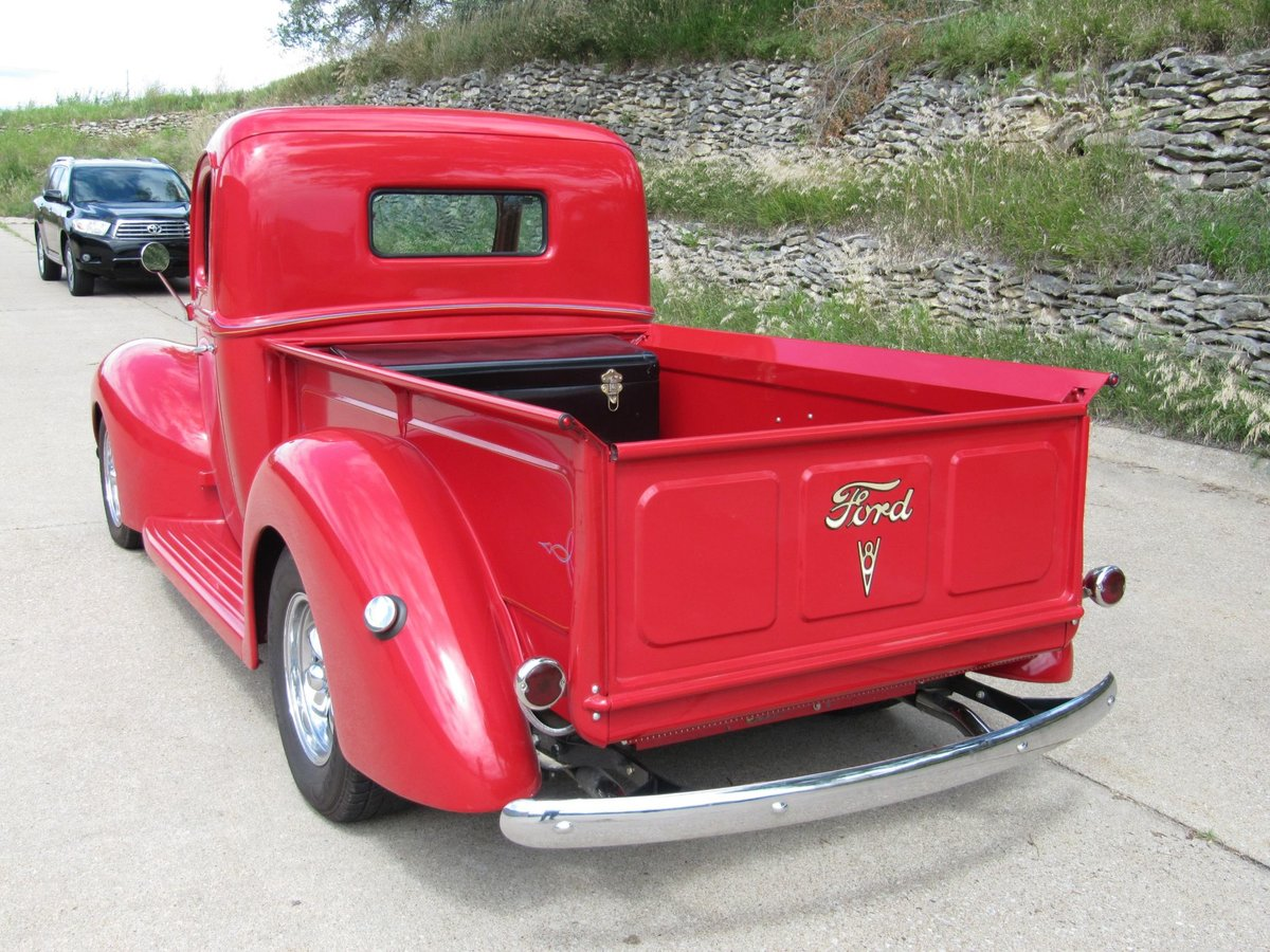 1940 Ford Pickup Resto Mod For Sale (picture 4 of 6)