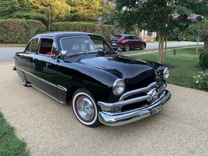 1950 FORD CUSTOM DELUXE tudor sedan (Williamsburg, VA)