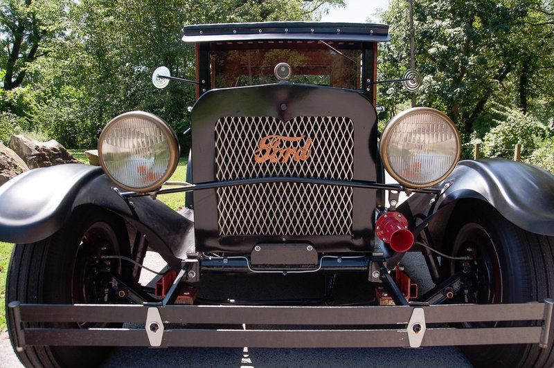1927 Ford Model T HotRod Woody Wagon Cool Custom V-8 $22.9k For Sale (picture 3 of 5)