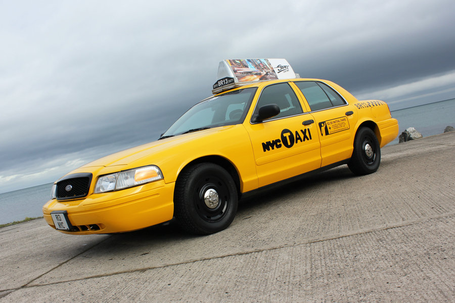 2003 P71 Ford Crown Victoria Yellow New York Taxi V8 For Sale (picture 1 of 6)