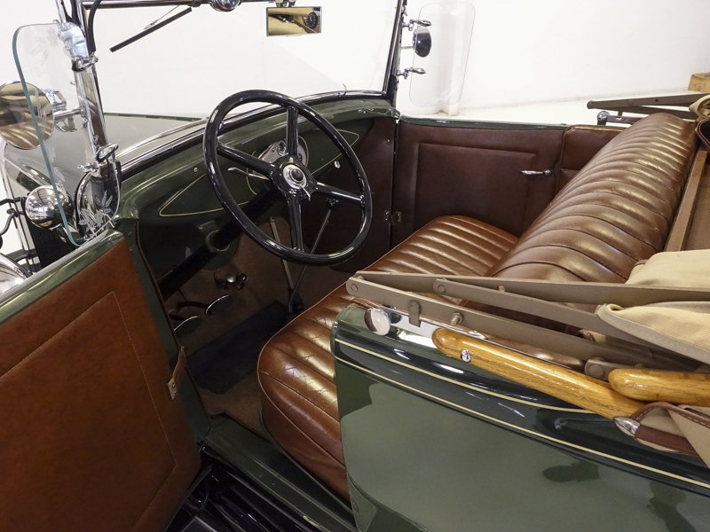 1930 Ford Model A Deluxe Rumble Seat Roadster For Sale (picture 3 of 6)