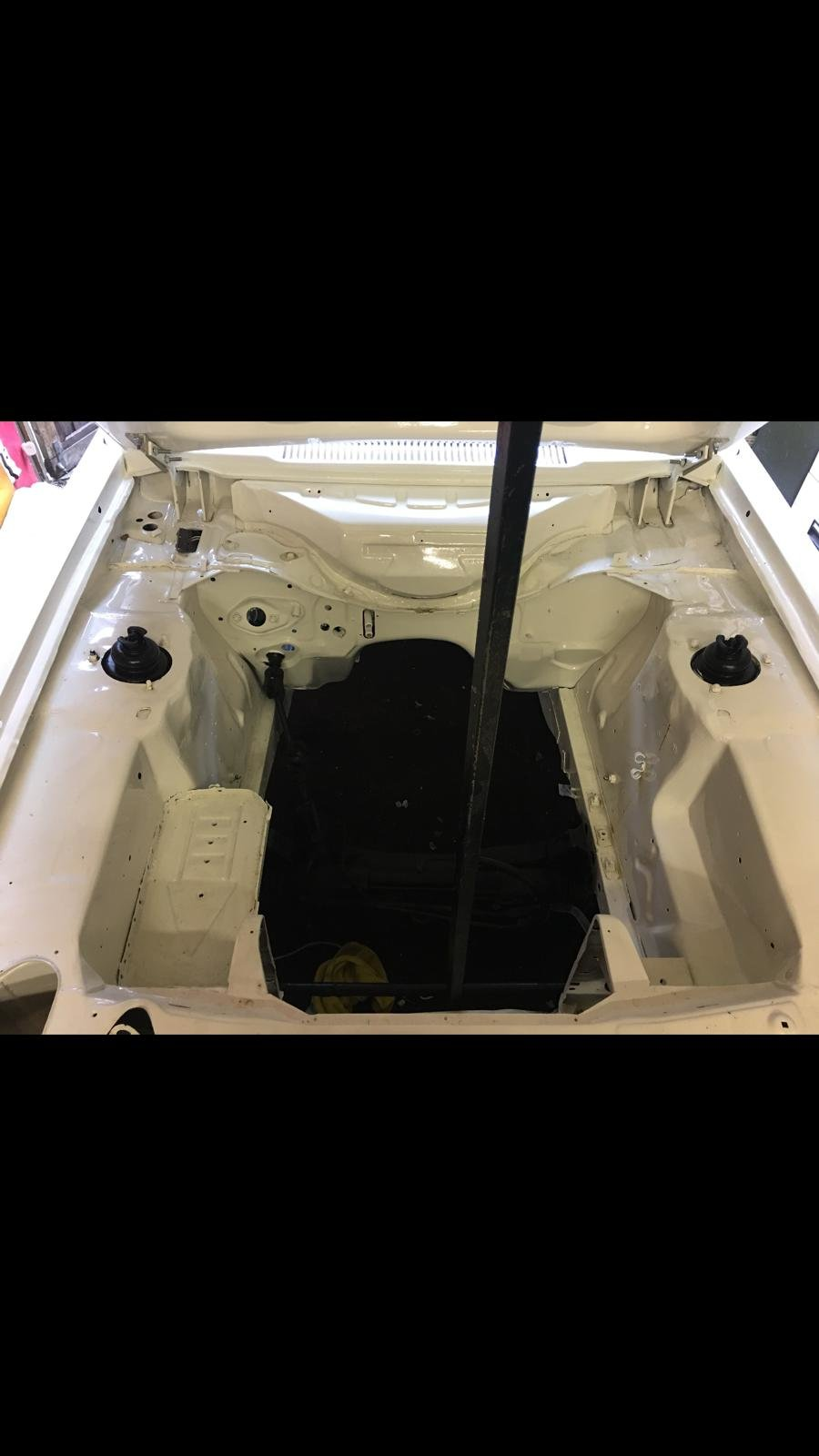 1983 Ford Capri 2.8 i restored requires finishing SOLD (picture 5 of 6)