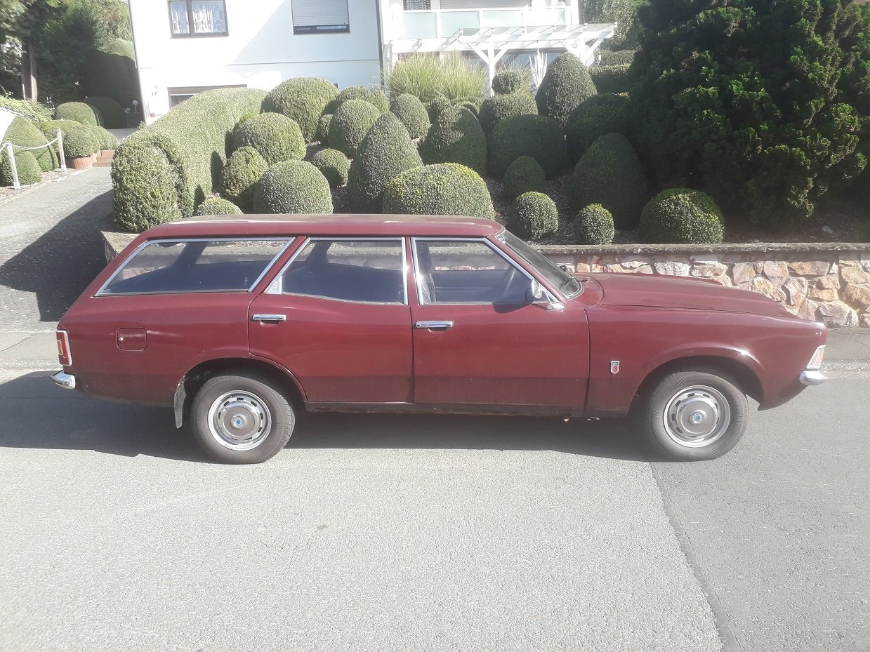 1971 Ford Cortina MK3 1,6  Estate For Sale (picture 2 of 6)