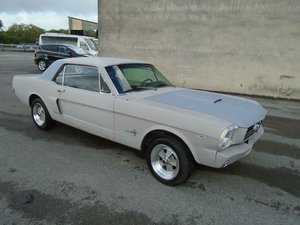 FORD MUSTANG 302 V8 AUTO RESTOMOD COUPE (1965) SOLD
