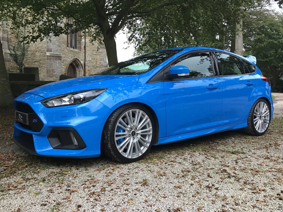 FORD FOCUS RS. 2017/17 PLATE,LOW MILES.OUTSTANDING CONDITION For Sale (picture 1 of 6)