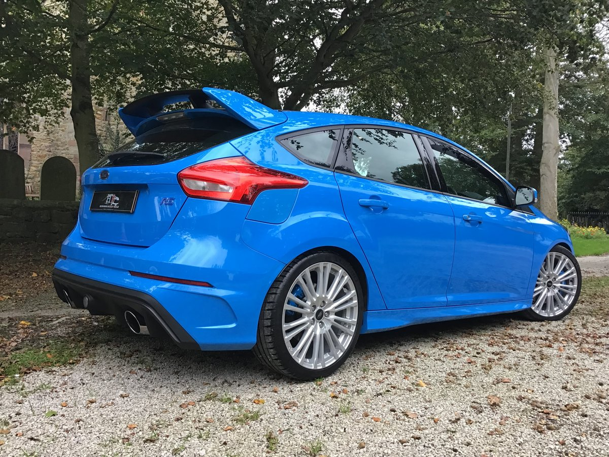 FORD FOCUS RS. 2017/17 PLATE,LOW MILES.OUTSTANDING CONDITION For Sale (picture 2 of 6)