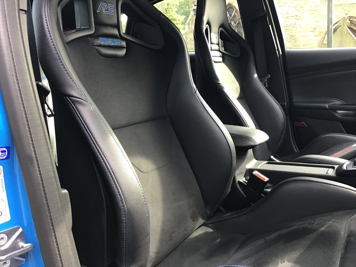 FORD FOCUS RS. 2017/17 PLATE,LOW MILES.OUTSTANDING CONDITION For Sale (picture 5 of 6)