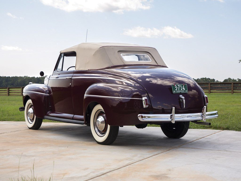 1941 Ford V-8 Super DeLuxe Convertible Coupe  For Sale by Auction (picture 2 of 6)