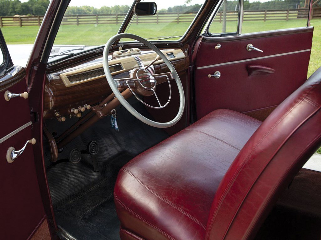1941 Ford V-8 Super DeLuxe Convertible Coupe  For Sale by Auction (picture 4 of 6)