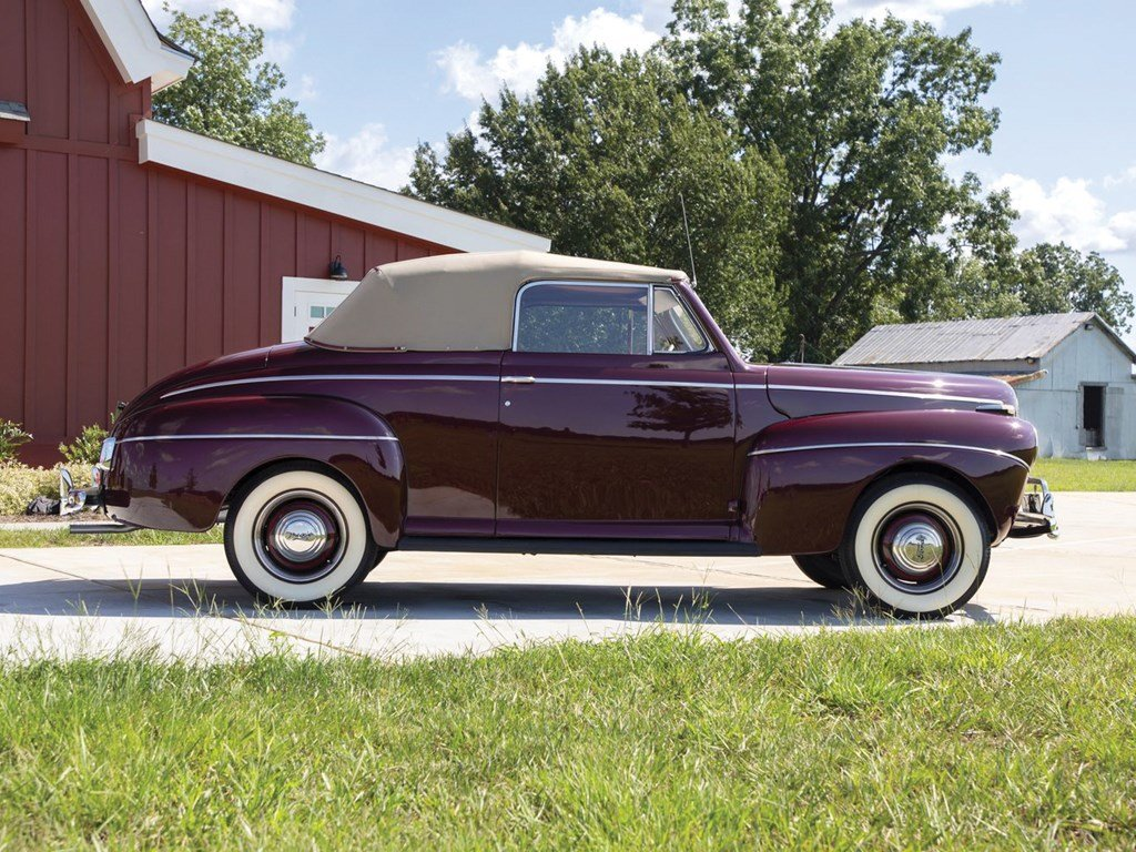 1941 Ford V-8 Super DeLuxe Convertible Coupe  For Sale by Auction (picture 5 of 6)