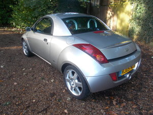 2005 FORD STREET KA LUXURY CONVERTIBLE WITH HARDTOP LEATHER