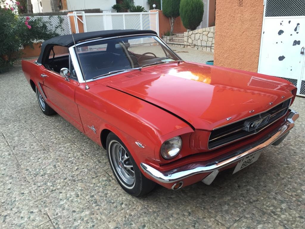 1964 ford mustang cabrio For Sale (picture 1 of 6)
