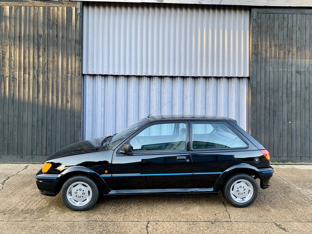 1990 Stunning Ford Fiesta Xr2i LHD Low owners/miles  SOLD (picture 3 of 6)