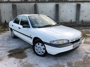 1993 Ford mondeo mk1 1.6 LX extremely low miles