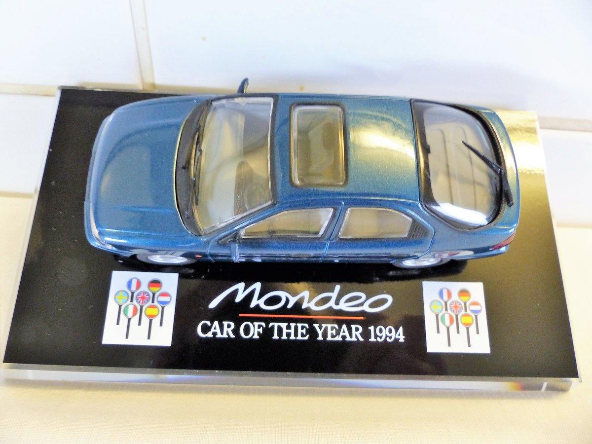 """1994 """"Ford Mondeo Car Of The Year 1:43 Scale Model"""" For Sale (picture 2 of 6)"""