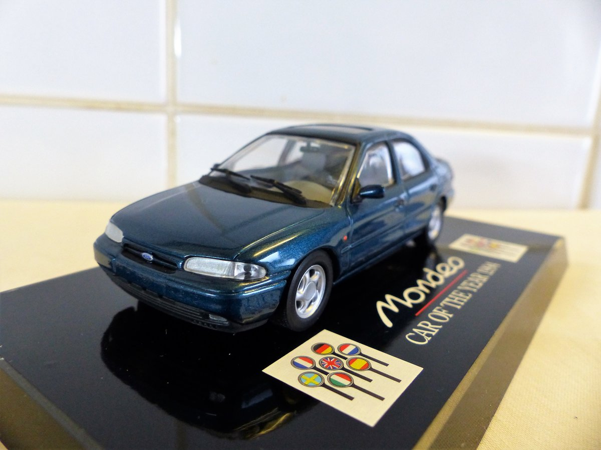 """1994 """"Ford Mondeo Car Of The Year 1:43 Scale Model"""" For Sale (picture 5 of 6)"""