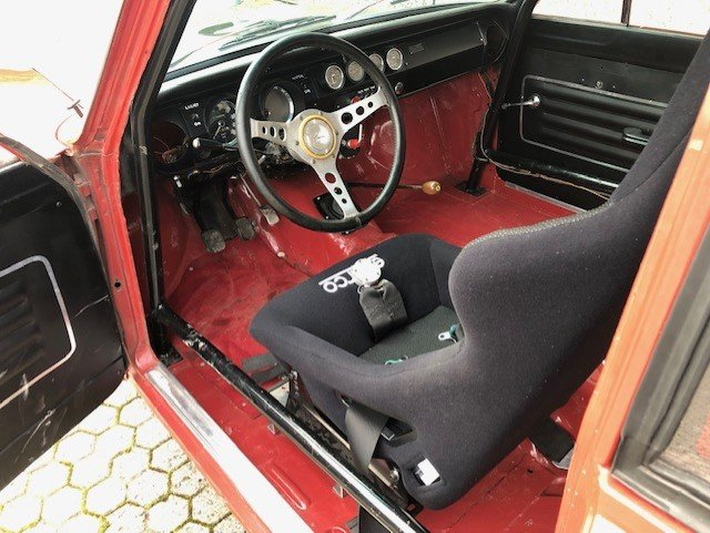 1965 Ford Cortina 1500GT MK1 FIA Racecar For Sale (picture 3 of 6)