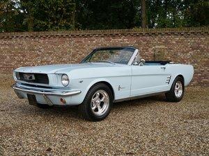 Ford Mustang 289 V8 Convertible original colours, disc brake