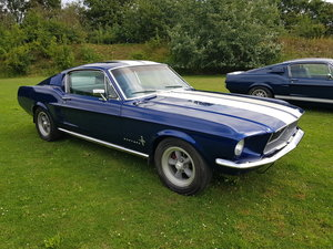 1967 Mustang Fastback V8 with racing stripes