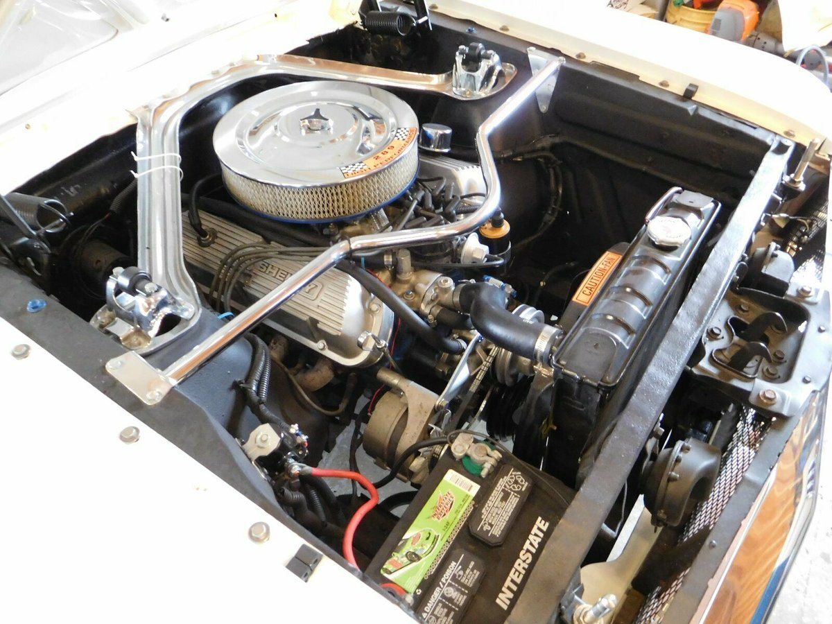 1965 Ford Mustang Fastback V8 AOD transmission  For Sale (picture 3 of 6)