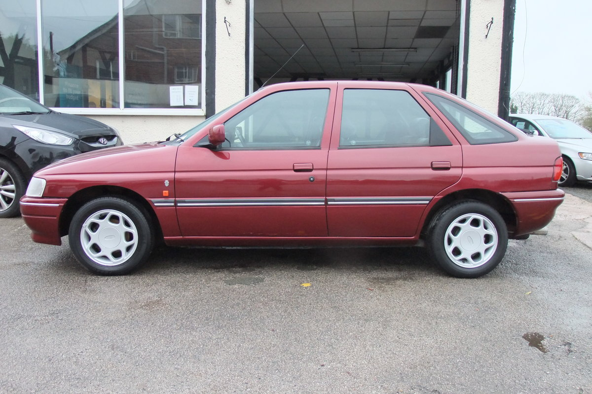 1993 FORD ESCORT 1.8 GHIA  For Sale (picture 2 of 6)