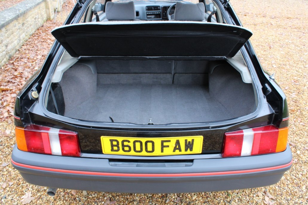 1994 1984 FORD XR4i – 60,000 MILES – 1 OWNER – £19,995 For Sale (picture 11 of 13)