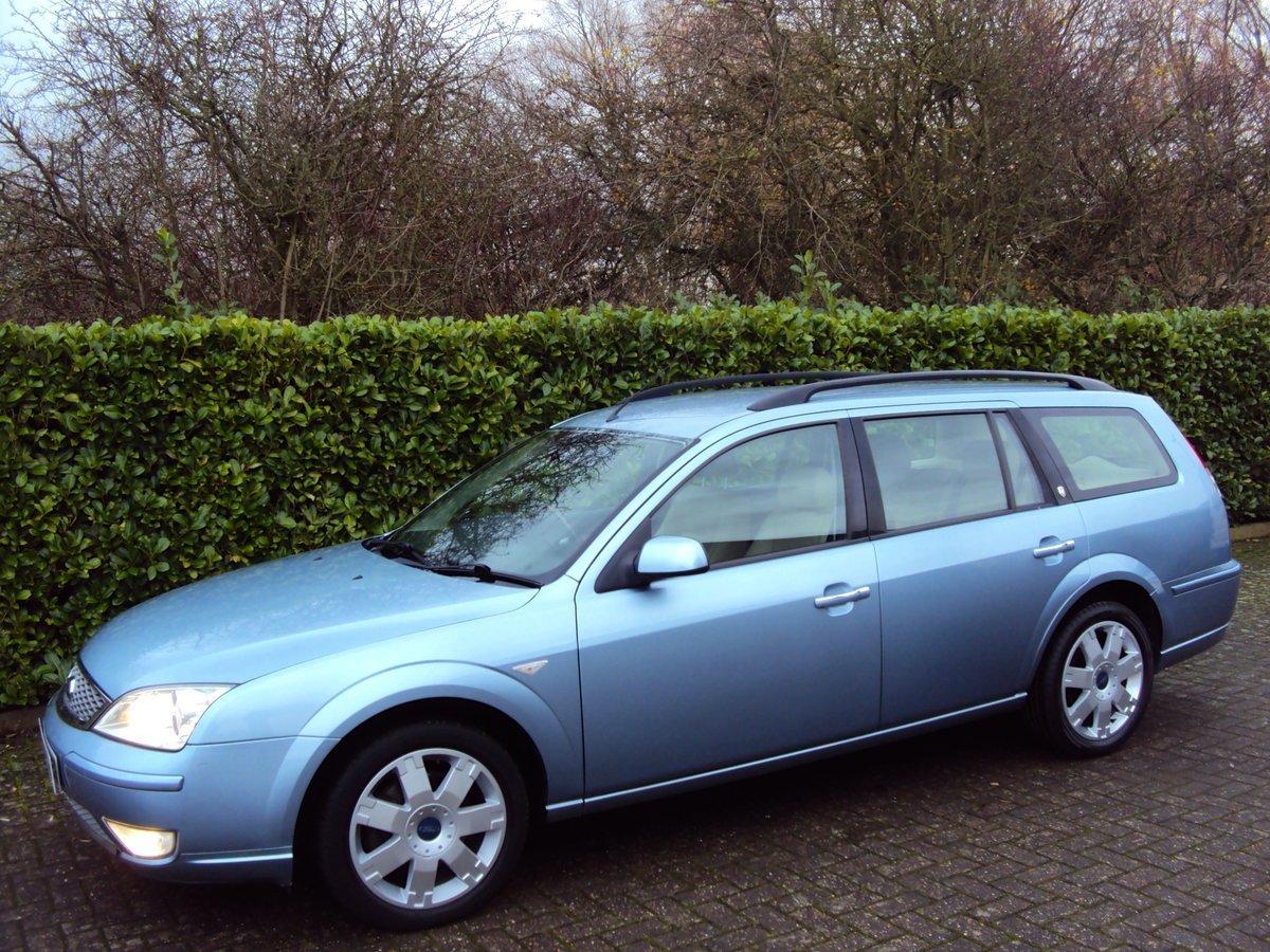 2005 A STUNNING & RARE Mondeo Ghia X Automatic Estate - FSH  For Sale (picture 2 of 6)