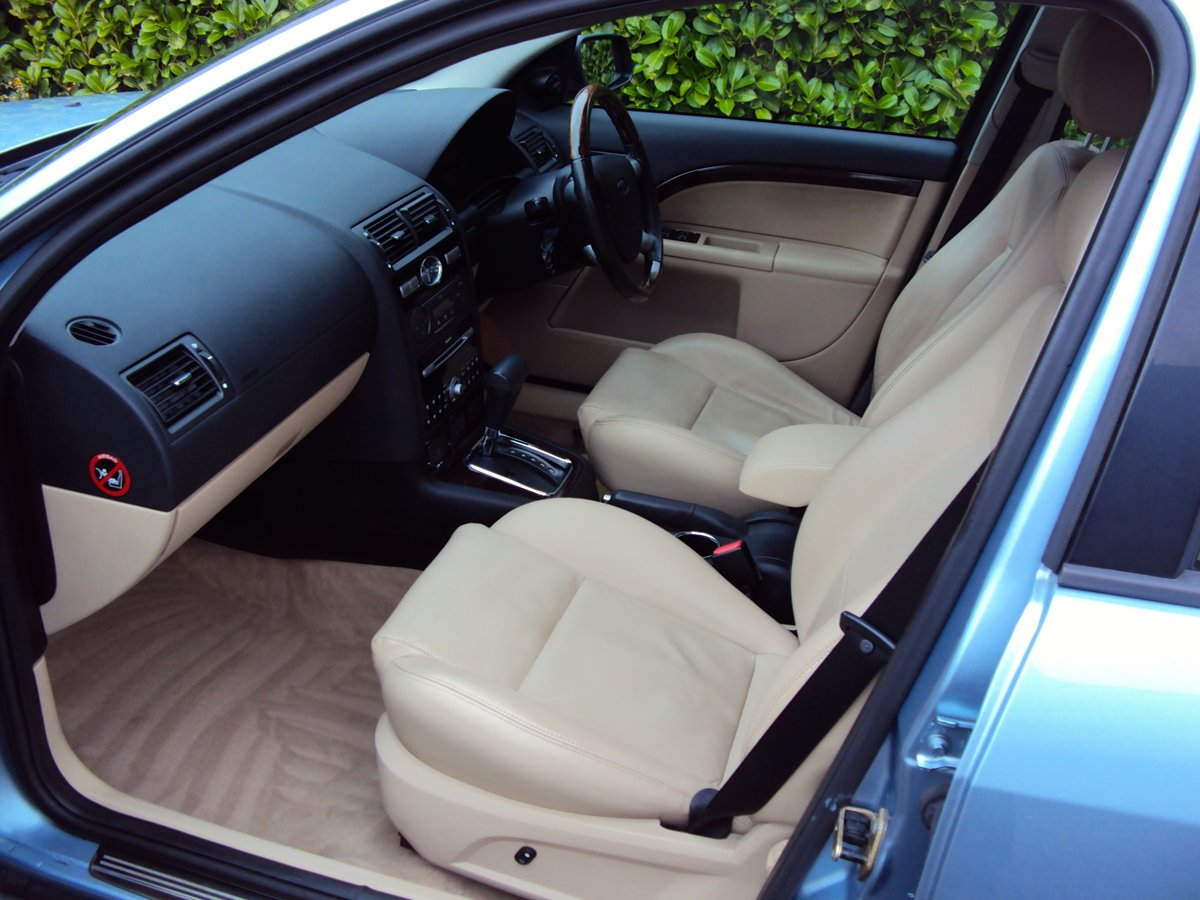 2005 A STUNNING & RARE Mondeo Ghia X Automatic Estate - FSH  For Sale (picture 4 of 6)