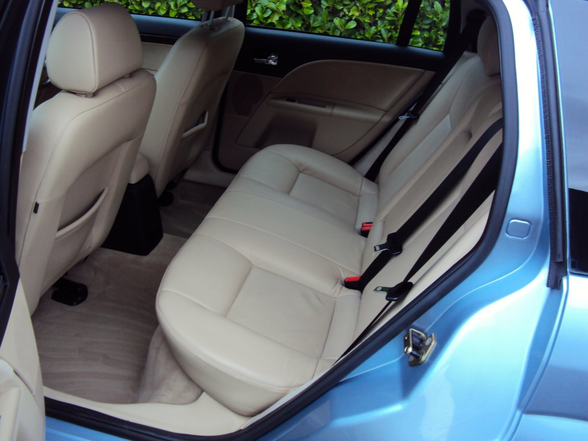 2005 A STUNNING & RARE Mondeo Ghia X Automatic Estate - FSH  For Sale (picture 5 of 6)