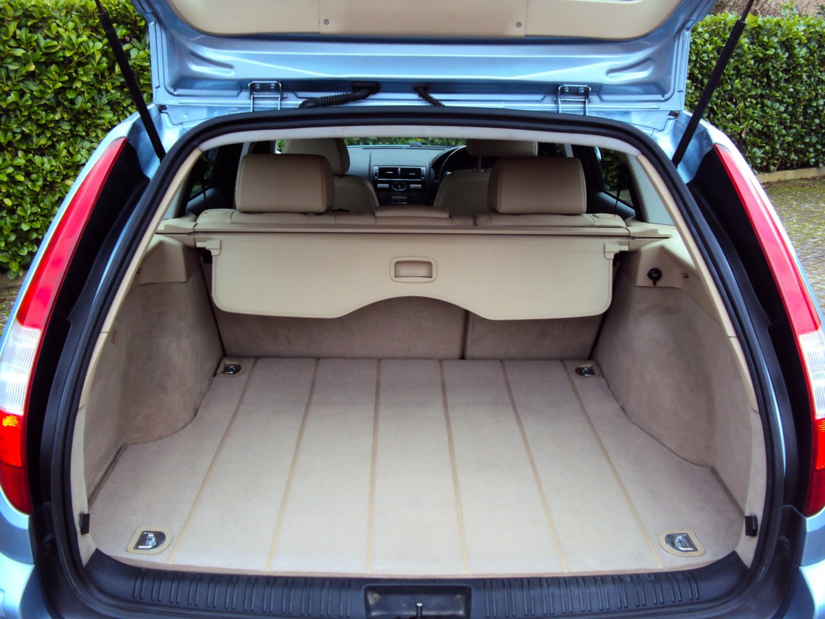 2005 A STUNNING & RARE Mondeo Ghia X Automatic Estate - FSH  For Sale (picture 6 of 6)