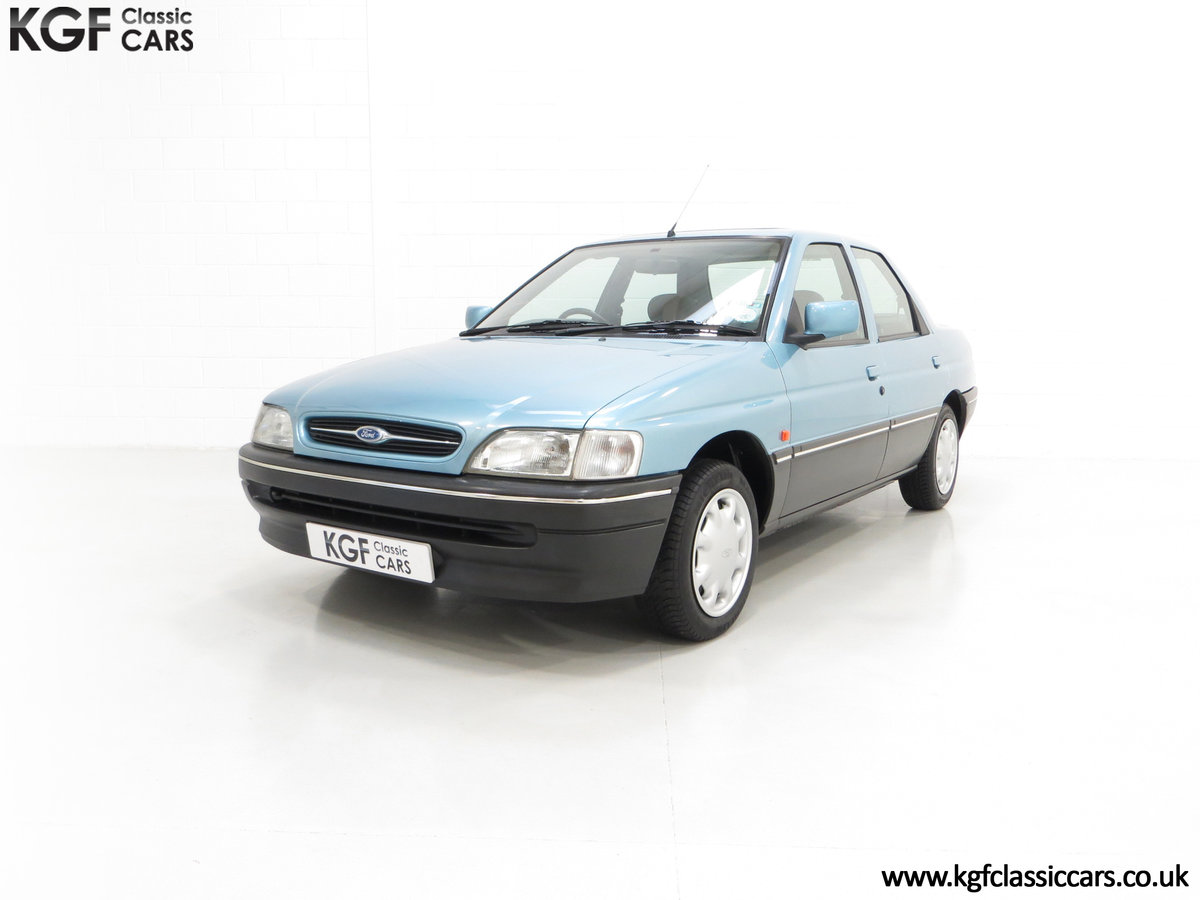 1993 A Rare Ford Orion Equipe 1.8EFi with 22,285 Miles For Sale (picture 2 of 6)