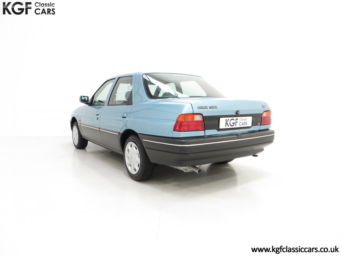 1993 A Rare Ford Orion Equipe 1.8EFi with 22,285 Miles For Sale (picture 4 of 6)