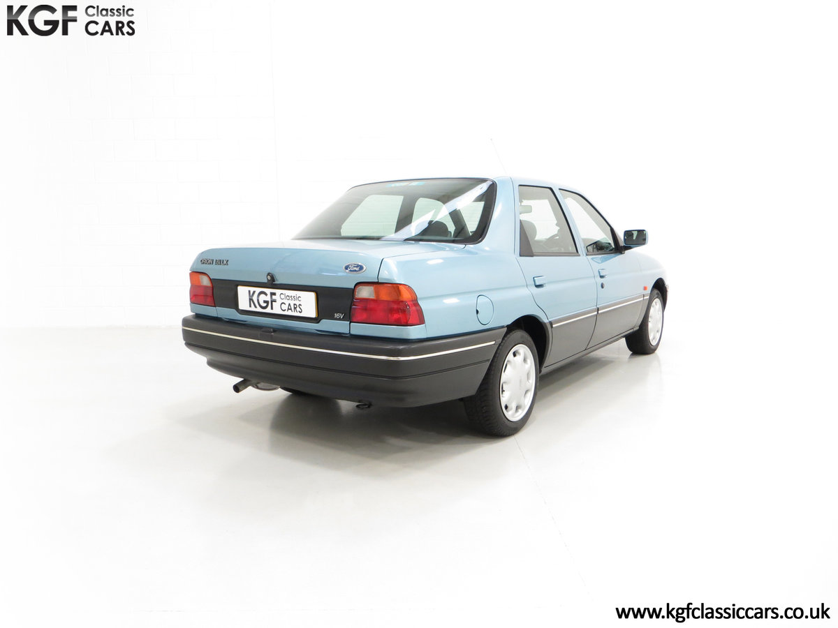 1993 A Rare Ford Orion Equipe 1.8EFi with 22,285 Miles For Sale (picture 5 of 6)