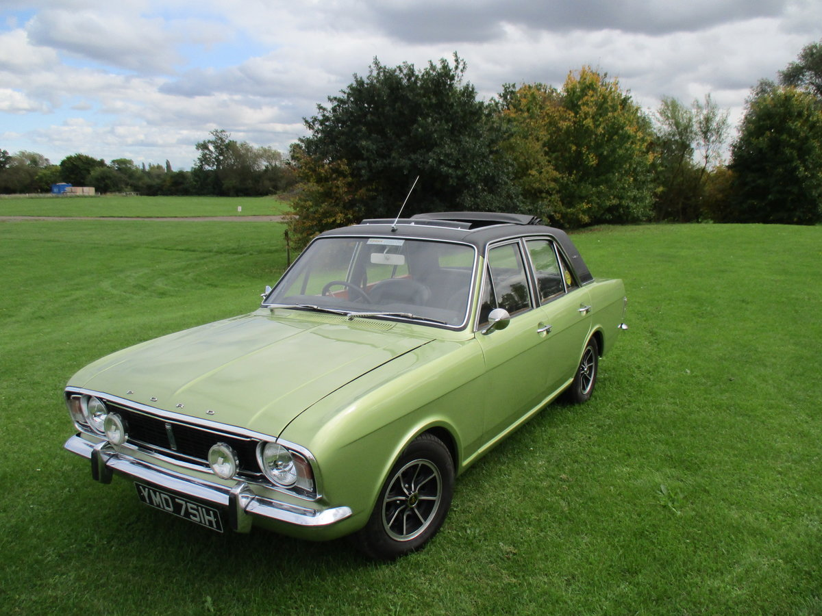 1970 Cortina 1600E - Full length Sunroof Car SOLD (picture 1 of 6)