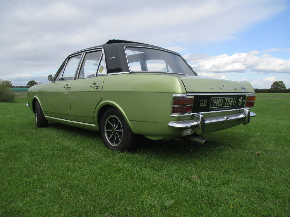 1970 Cortina 1600E - Full length Sunroof Car SOLD (picture 2 of 6)