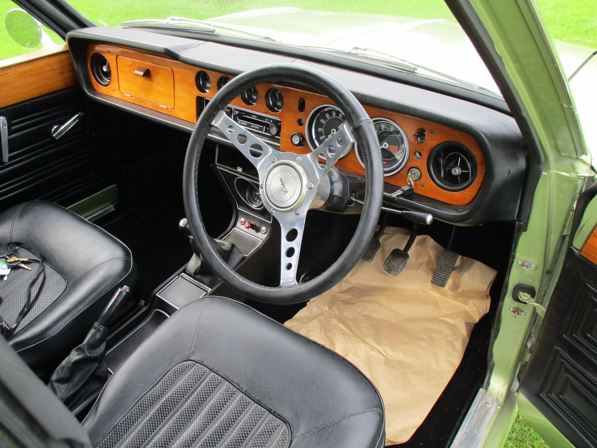 1970 Cortina 1600E - Full length Sunroof Car SOLD (picture 6 of 6)