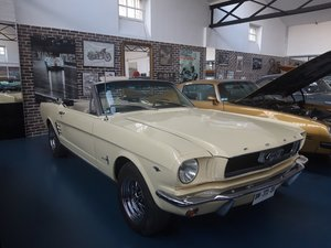 1966 FORD MUSTANG CONVERTIBLE LIKE NEW