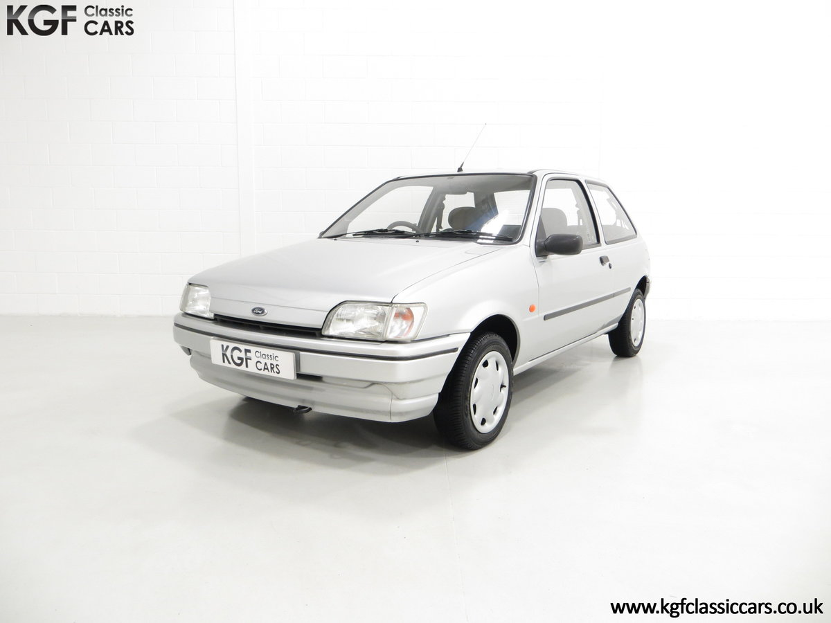 1996 A Ford Fiesta Mk3 Cabaret with 15,210 Miles. For Sale (picture 2 of 6)