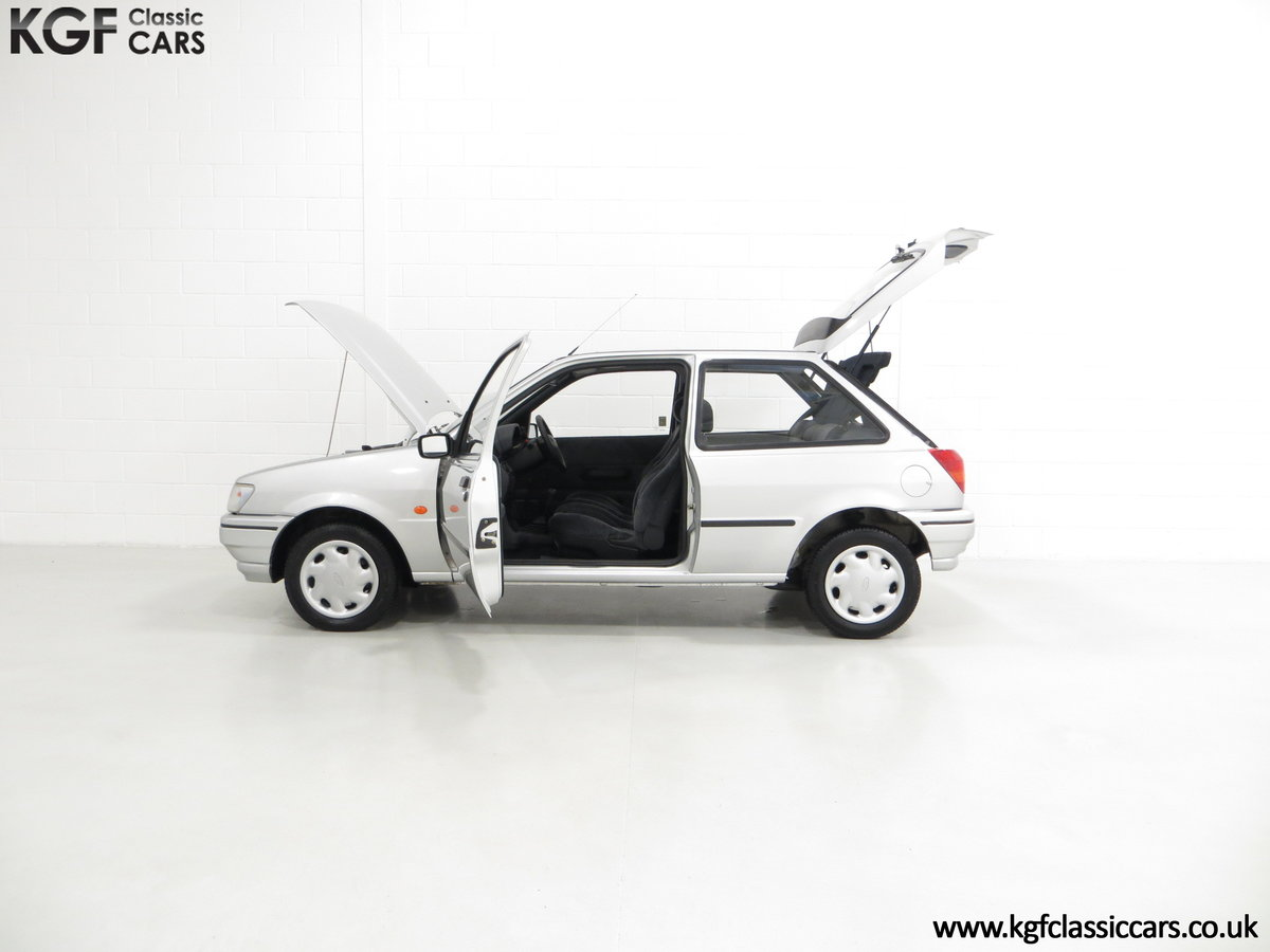 1996 A Ford Fiesta Mk3 Cabaret with 15,210 Miles. For Sale (picture 3 of 6)