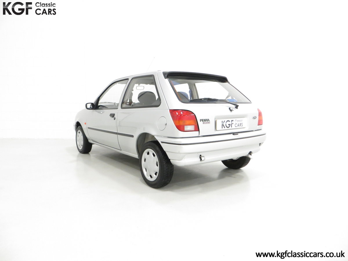 1996 A Ford Fiesta Mk3 Cabaret with 15,210 Miles. For Sale (picture 4 of 6)