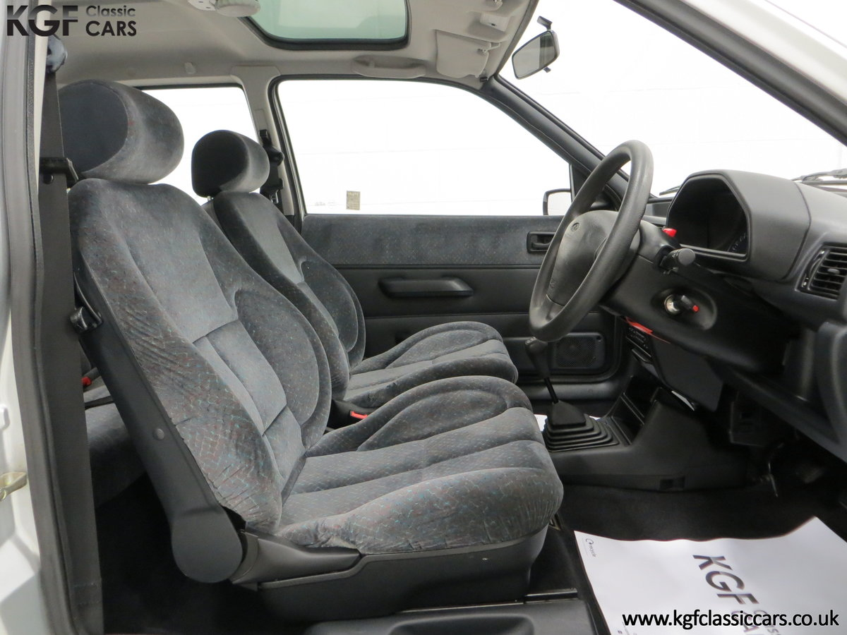 1996 A Ford Fiesta Mk3 Cabaret with 15,210 Miles. For Sale (picture 6 of 6)
