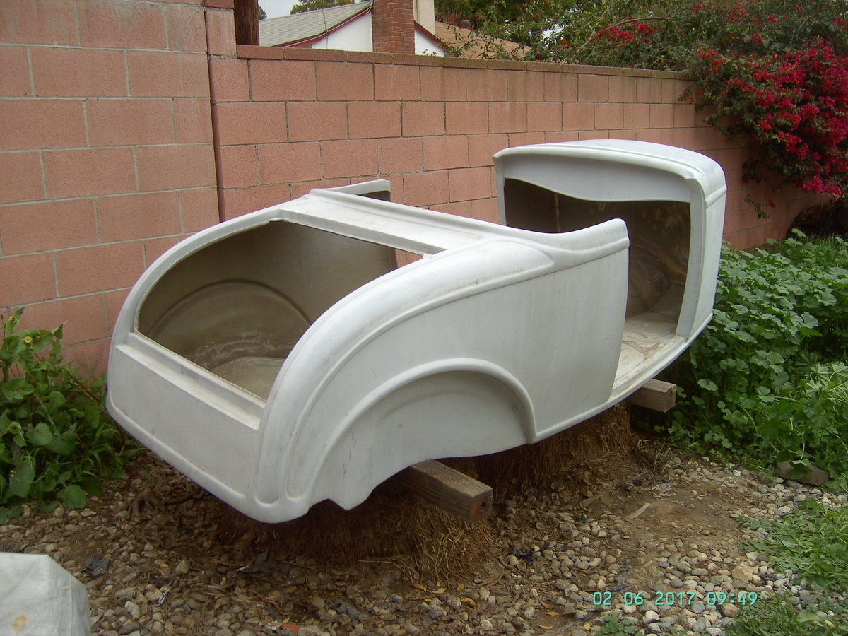 1932 Molds to build fiberglass roadster bodies For Sale (picture 1 of 5)