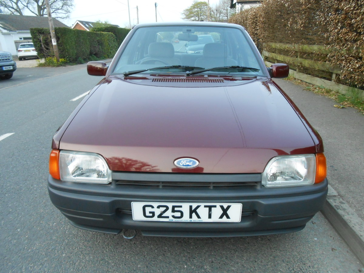 1990 Ford escort 1.6 ghia auto only 27,000 miles For Sale (picture 2 of 6)