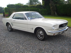 1966 Ford mustang manual, straight six. 3.3 cid.