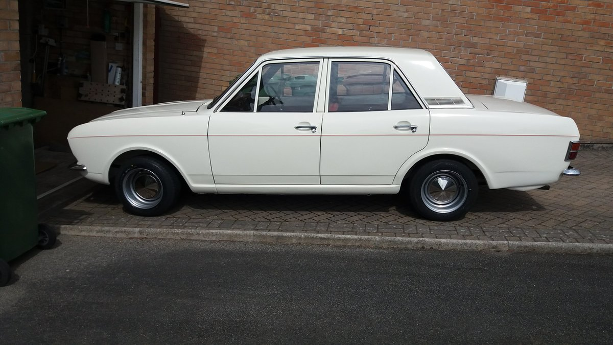 1968 Ford MK2 Cortina 1300 Deluxe Ermine White For Sale (picture 1 of 6)
