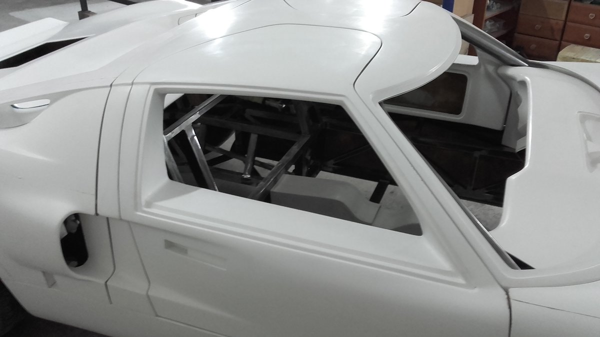 1966 GT 40 replica body rolling chassis standard kit For Sale (picture 2 of 6)